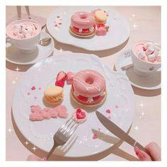 So pretty, so fancy Cute Desserts, Dessert Recipes, Kawaii Dessert, Pink Foods, Cafe Food, Aesthetic Food, I Love Food, Sweet Treats, Food And Drink