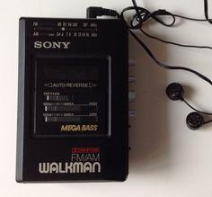 Vintage Sony Walkman, populär från 80- talet. på Tradera.com - Bärbara