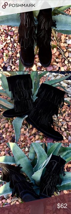 "Black Suede Triple Fringe Minnetonka Boots 11"" Tall, Black Lacing around edging of Top of Foot, Flat Rubber Sole/foot with 2.5/16"" heel, Near New/Mint Condition!!  3 Layers of Overlapping 4"" Long Suede Fringe, No Tears, Holes, Stains, Smells, etc, Size 9 Minnetonka Shoes Moccasins"