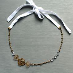 """Headband MARIAGE """"Camelia"""" en pierres fines, laiton brut et rubans en coton : bijou de tête et collier de la boutique Pemberleybijoux sur Etsy - Headbands mariées - bijoux cheveux - accessoires mariée - bridal headbands - wedding - bridal accessories"""