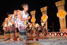 Dance performances gongs of Tay Nguyen ethnic, Dalat Festival Flower 2013