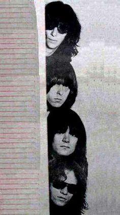 The Ramones 😂💋 Joey Ramone, Ramones, Rock And Roll Bands, Rock Bands, Beatles, Rock Band Posters, Tv Icon, Iggy Pop, Rockn Roll