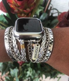 Black Apple Watch Band, Apple Watch Bands, Apple Watch Accessories, Gold Accessories, Apple Watch Bracelets, Bracelets For Men, Apple Watch Fashion, Apple Gifts, Smartphone