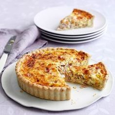 A Quiche Lorraine recipe by Mary Berry on HOUSE - design, food and travel by House & Garden. Mary Berry Quiche Lorraine, Best Quiche Lorraine Recipe, Dairy Free Quiche Lorraine, Best Quiche Recipe Ever, Best Quiche Recipes, Lorraine Recipes, Picnic Recipes, Dinner Recipes, The Great British Bake Off