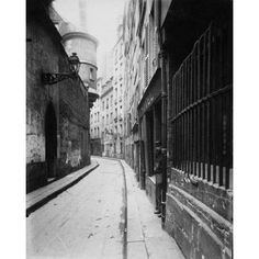 Paris 1921 - Rue de lHotel-de-Ville Canvas Art - Eugene Atget (24 x 30)