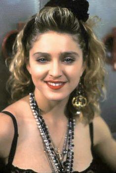 Madonna Madonna 80s Makeup, Madonna 80s Fashion, 1980s Madonna, Madonna Rare, Madonna Costume, Lady Madonna, 80s Costume, Madonna Albums, Madonna Music