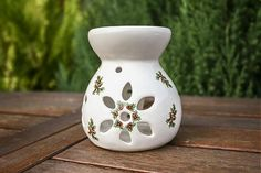 Aroma lamp small - Ceramic Christmas aroma lamp decorated with Christmas flowers - mahonia. Designed for essential oils and tea candle. Tea Candles, Christmas Flowers, Essential Oils, Vase, Ceramics, Design, Home Decor, Ceramica, Pottery