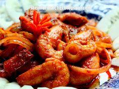 The Informal Chef: Pineapple Prawn Curry (Udang Masak Lemak Nenas) 香辣黄梨虾 Chilli Prawns, Prawn Curry, Malaysian Cuisine, Malaysian Food, Malaysian Recipes, Spicy Dishes, Curry Dishes, Curry Recipes, Seafood Recipes