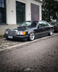 Mercedes 124, Mercedes Benz Cars, Daimler Ag, Custom Wheels, Automotive Design, Vroom Vroom, Product Design, Cars Motorcycles, Cool Cars