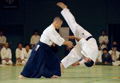 """martial-arts-oz: """" A través del siguiente video aprenderás técnicas de Aikido paso a paso, en un excelente tutorial del Arte Marcial fundado por el Gran Maestro Morihei Ueshiba. Link del Video..."""