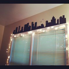 bedroom wall. I would totally do this of the Boston skyline! Especially if I move out of Massachusetts.