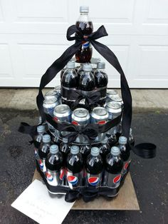 My kind of cake! Pepsi Cake, Cake In A Can, Diet Pepsi, Classroom Door, Secret Santa Gifts, Xmas Ideas, Cute Crafts, Wine Drinks, White Elephant Gifts
