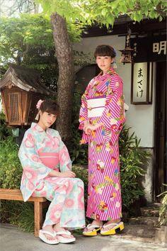 佐藤ありさ (Arisa Sato)・桐谷美玲 (Mirei Kiritani): non-no - Aug 2014 Kimono Japan, Yukata Kimono, Kimono Dress, Japanese Yukata, Japanese Girl, Geisha, Summer Kimono, Japanese Models, Japan Fashion