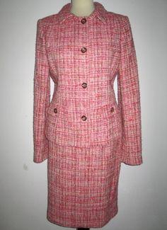 * * * DOLCE&GABBANA Bouclé-Kostüm rot gemustert, Gr.I 48/D 42 * * * Dolce & Gabbana, Double Breasted Suit, Suit Jacket, Suits, Coat, Jackets, Fashion, Locs, Clothing Accessories