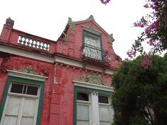 casa italianas em rosa e azul - Pesquisa Google