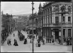 """""""The intersection of Shortland Street and Queen Street, 1900 Nz History, History Photos, Family History, New Zealand Houses, Auckland New Zealand, How To Buy Land, Historical Photos, The Neighbourhood, Street View"""