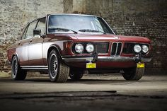 BMW 3,3 Li - 1976 Maintenance/restoration of old/vintage vehicles: the material for new cogs/casters/gears/pads could be cast polyamide which I (Cast polyamide) can produce. My contact: tatjana.alic@windowslive.com