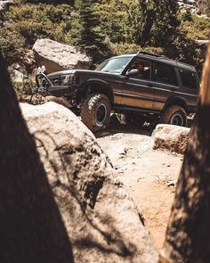 """landroverphotoalbum posted on Instagram: """"@lr_discostu coming through the trees on the Rubicon Trail By @jeth_rover #landrover #Discovery2…"""" • See all of @landroverphotoalbum's photos and videos on their profile. Rubicon Trail, Land Rover Discovery 2, Bmw, Photo And Video, Vehicles, Trees, Profile, Range, Instagram"""