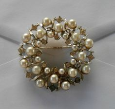 VINTAGE PEARL & RHINESTONE BROOCH - VERY OLD - MISSING 1 STONE - LISNER & CO. | eBay