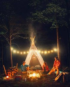 World Camping. Tips, Tricks, And Techniques For The Best Camping Experience. Camping is a great way to bond with family and friends. Camping 3, Camping Hacks, Outdoor Camping, Camping Ideas, Camping In The Woods, Camping Kitchen, Camping Cooking, Camping Stuff, Camping Outdoors
