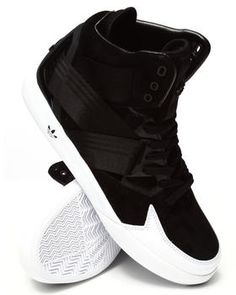 Love this C-10 Sneakers on DrJays and only for $62.79. Take a look and get 20% off your next order!