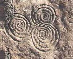 Spiral Art (ancient Ireland) and Labyrinth (ancient Crete) The spiral is found in many pre-historic Goddess-worshiping centers of Europe. It is also found in the pattern of the labyrinth found in ancient Crete, the mother-centered Minoan civilization. Fibonacci Spiral, World Religions, Celtic Art, Divine Feminine, Ancient Art, Sacred Geometry, Rock Art, Old Things, At Least