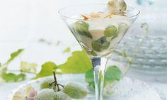 Marinierte Trauben mit Mandelcrème - Rezepte - Schweizer Milch Martini, Tableware, Glass, Grape Juice, Swiss Guard, Milk, Dinnerware, Drinkware, Dishes