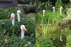 Gefunden bei Bing über www. Cement Garden, Garden Fencing, Lawn And Landscape, Raku Pottery, Garden Deco, Old Farm Houses, Outdoor Art, Outdoor Projects, Yard Art