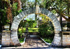A Classic Moongate in Bermuda