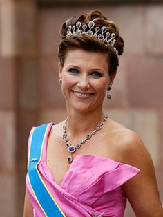 Princess Märtha Louise of Norway (born 22 September 1971) is the only daughter of King Harald V and Queen Sonja. She is fourth in the line of succession to the Norwegian throne, after her brother Haakon, Crown Prince of Norway, and his two children.On 24 May 2002 Princess Märtha Louise married to Ari Behn The couple has three daughters: Maud Angelica Behn, born 29 April 2003 Leah Isadora Behn, born 8 April 2005 Emma Tallulah Behn, born 29 September 2008