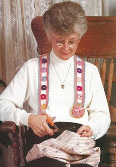 Crocheting Crochet Pattern for a CIRCLES CHATELAINE Sewing Crafting