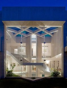 Architecture By Elad Gonen & Zeev Beach. Reminds me of the house in 13 ghosts.