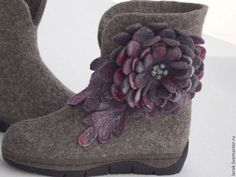 """Обувь ручной работы. Валенки для улицы """"Дикие с цветком""""."""