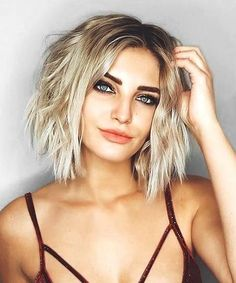 Sensational Short Hairstyles for Women to Get a New Fabulous Look With Easy and Modish Techniques. Thest Trend Setting Short Hairstyles includes Short Bob, Short Curly and Short Layered Pixie Hairstyles Which Should Not Be Missed Out. These Super Sensational Hairstyles will Provide You a Unique and Eye-Catching Look on Parties and Events.