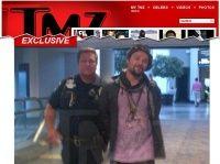 O ator skatista e Jackass Bam Margera supostamente, estava bêbado e incomodava os demais passageiros em um aeroporto dos Estados Unidos