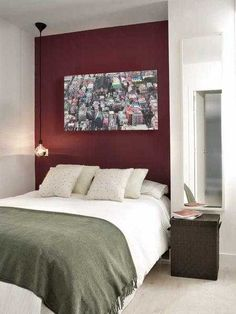 accent wall design and bedroom decorating