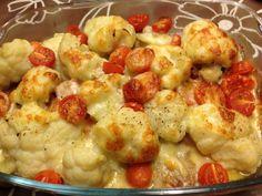 Bloemkool, cherry tomaten en mozzarella uit de oven: het was heerlijk.