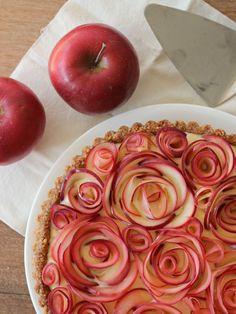 Apfel als Rosen ergeben eine gelungene Verzierung - Tollwasblumenmachen.de