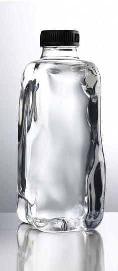 Large Water Bottle, Water Glass, Water Bottle Design, Glass Packaging, Water Packaging, Pretty Packaging, Brand Packaging, Cool Designs, Industrial Design