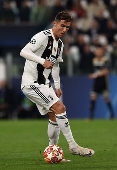 TURIN, ITALY - APRIL Cristiano Ronaldo of Juventus during the UEFA Champions League Quarter Final second leg match between Juventus and Ajax at Allianz Stadium on April 2019 in Turin, Italy. (Photo by Chris Ricco/Getty Images) Cristiano Ronaldo 7, Ronaldo Cr7, Cristiano Ronaldo Wallpapers, Liga Soccer, Zara Larsson, Best Football Players, Turin Italy, Juventus Fc, Football Shoes