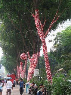 450px-orchard_road_3_singapore_biennale_2006_oct_06.jpg (450×600)