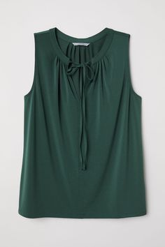 Jersey Blouse with Tie - Dark green - Ladies Stitch Fix Outfits, Rock Chic, Summer Workout Outfits, Casual Outfits, Fashion Outfits, Ladies Fashion, Rocker, Fall Outfits For Work, Summer Blouses
