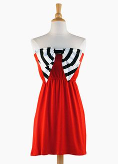 A whole site of dresses to wear to football games in team colors!