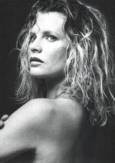 What I learned from Kim. Kim Basinger, Hollywood Icons, Hollywood Celebrities, Breck Shampoo, Divas, Nastassja Kinski, Old Movie Stars, Celebrity Portraits, Black And White Portraits