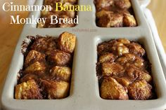 Flaky biscuit dough is seasoned with cinnamon sugar, and baked until warm, golden and gooey. The cinnamon banana monkey bread recipe is in this post. Loaf Recipes, Banana Recipes, Cooking Recipes, Cooking Tips, Cake Recipes, Breakfast Recipes, Dessert Recipes, Picnic Recipes, Baking Desserts