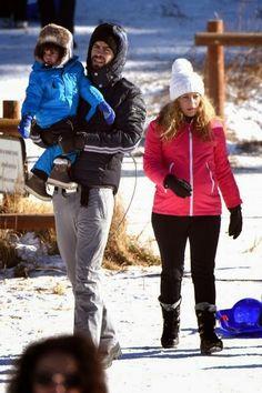 LAS CADERAS TABASCO: Fotos: Shakira, Gerard y Milan jugando en la nieve...(06/01/2015)