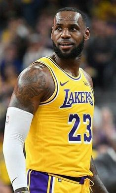 LeBron James #basketball Basketball Pictures, Sports Basketball, Basketball Players, James Basketball, Lebron James Lakers, King Lebron James, King James, Baskets, Sports Today