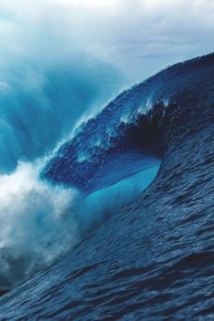 Ed is a freelance photographer with a focus on the surf and ocean based aesthetic. Buy gallery quality limited edition Ed Sloane prints. Water Waves, Sea Waves, Image Nature Fleurs, Waimea Bay, Big Wave Surfing, Huge Waves, Ocean Photography, Photography Portfolio, Sea And Ocean