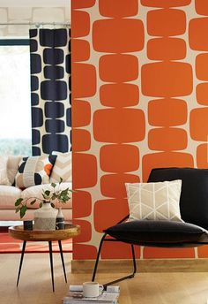 Stunning contemporary wallpaper design by Scion. Orange Wallpaper, Retro Wallpaper, Print Wallpaper, Home Wallpaper, Wallpaper Roll, Wallpaper Designs, Office Wallpaper, Amazing Wallpaper, Kitchen Wallpaper