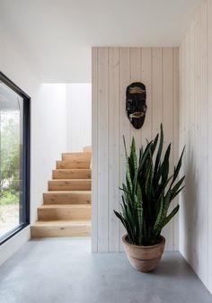 A black surf house i